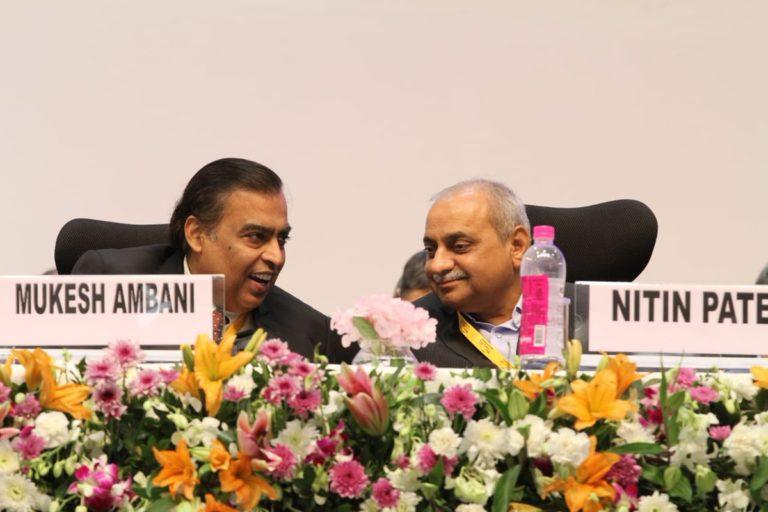 ''జన్మభూమి''లో మరో 3 లక్షల కోట్ల పెట్టుబడులు : ముఖేష్ అంబానీ